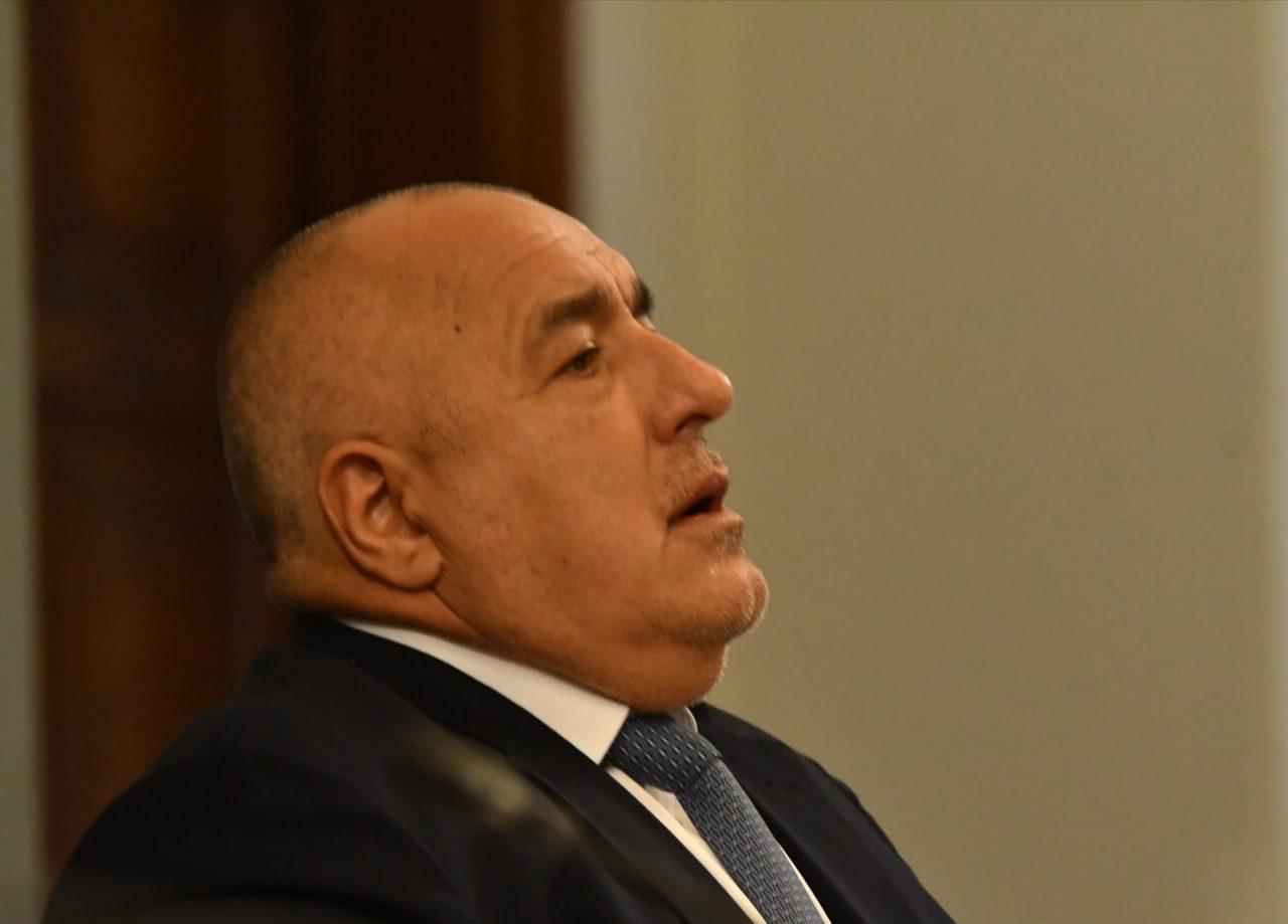 Бойко Борисов уволни двама от най-верните си хора и взриви България